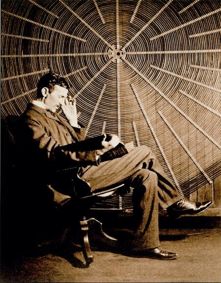 Tesla Coils (Катушки Теслы) и немного о самом ученом
