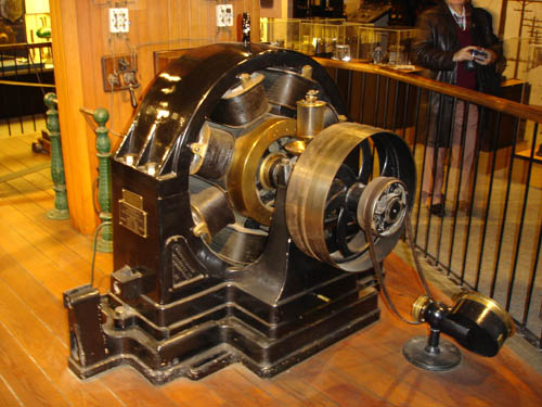 Above Tesla S Alternating Cur Motor Found At The Smithsonian Insution In Washington D C For More Information Go To
