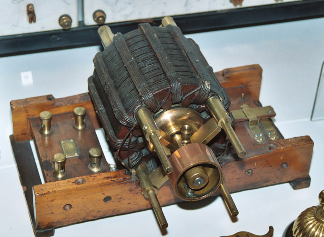 Above One Of The Original Ac Tesla Induction Motors On Display In British Science Museum London This Motor Was Referenced T C Martin S Book As